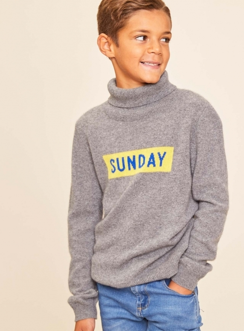 "Pull kid ""Sunday"""